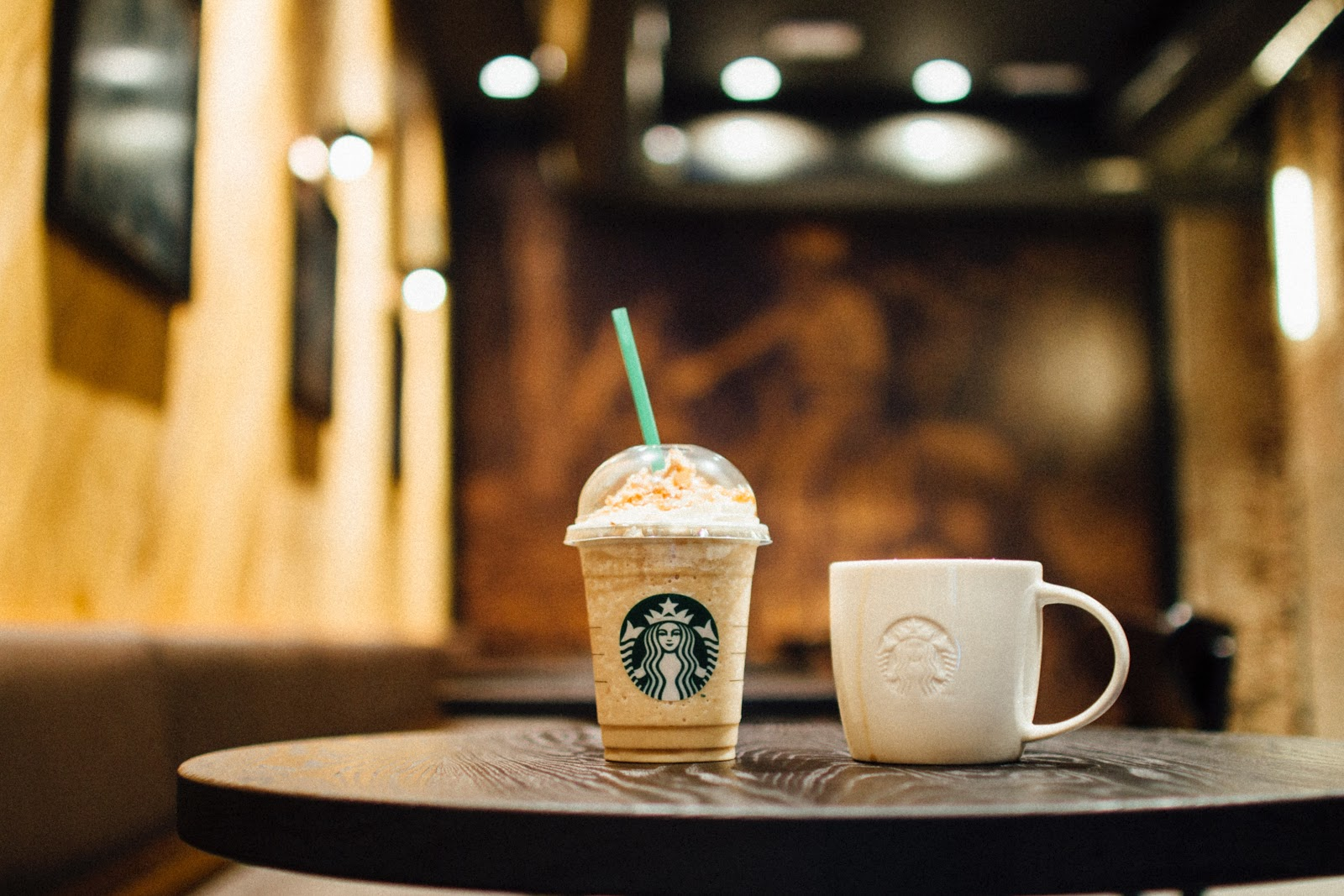 Starbucks cups - Image credit: pexels.com